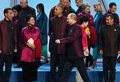Russian President Vladimir Putin and US President Barack Obama at APEC summit in Beijing
