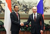 Indonesia's president Joko Widodo and Russia's president Vladimir Putin