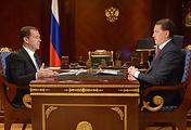 Премьер-министр РФ Дмитрий Медведев и губернатор Воронежской области Алексей Гордеев
