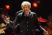 Боб Дилан во время выступления в Лос-Анджелесе, 2012 год