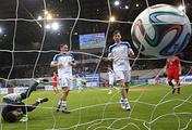 Эпизод из финального матча Кубка легенд между сборными России и Португалии, 2015 год