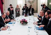 Министр иностранных дел РФ Сергей Лавров (слева) и генеральный секретарь НАТО Йенс Столтенберг (второй справа), 17 февраля