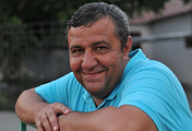 Судья соревнований по футболу на Спартакиаде Аркадий Акопян