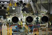 Сборка ракеты-носителя в цехе Государственного космического научно-производственного центра имени М.В. Хруничева