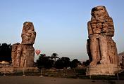 Колоссы Мемнона (статуи фараона Аменхотепа III) в Луксоре