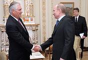 Госсекретарь США Рекс Тиллерсон и президент России Владимир Путин