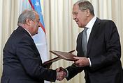 Министр иностранных дел Узбекистана Абдулазиз Камилов и министр иностранных дел РФ Сергей Лавров