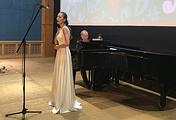 Пианист Юрий Розум и певица Мария Андреева (справа налево)