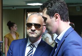 Эраст Матаев (слева)