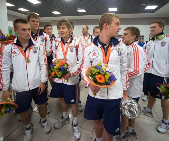 Russian junior soccer team, who won European championship, arrives to Moscow