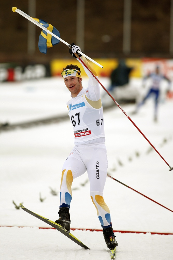 Swedish cross-country skier Anders Södergren to have the honor of bearing the national flag