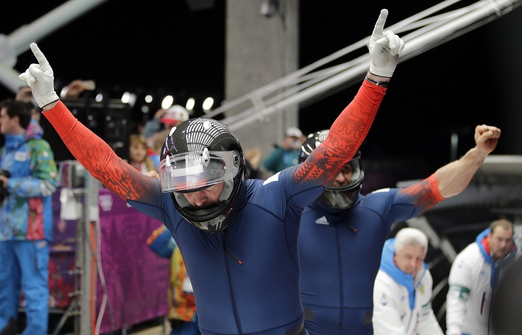 Zubkov and Voevoda celebrate their victory after third heat