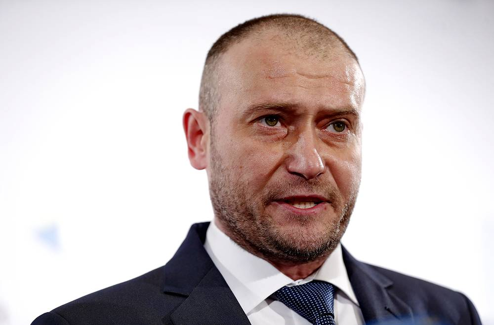 Leader of the Right Sector Dmytro Yarosh has decided to run in the election as a self-nominee