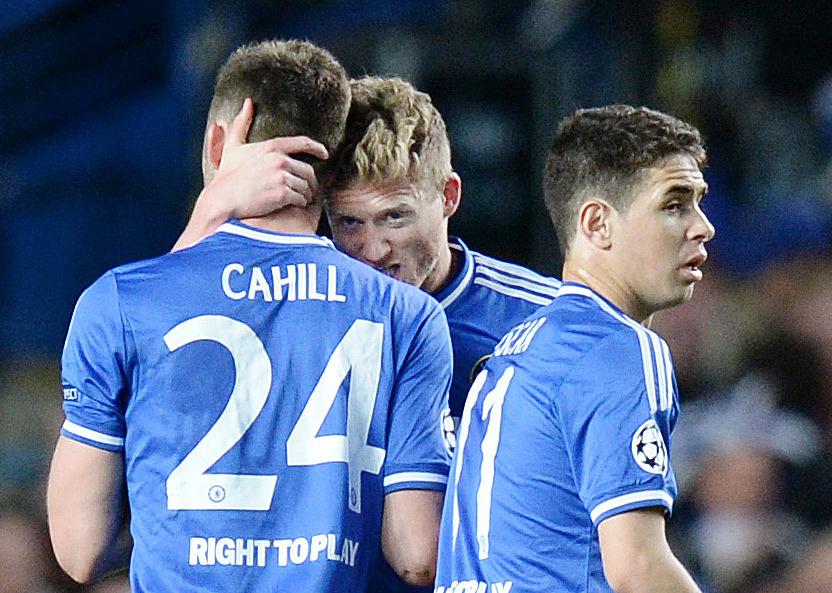 Chelsea's Andre Schurrle (C) celebrates his goal