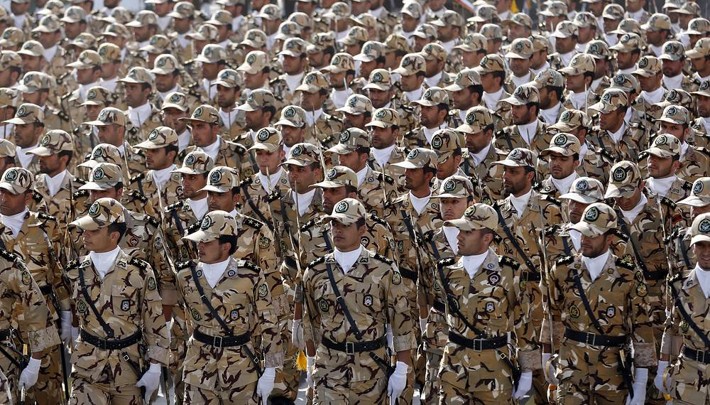 Iranian army troops