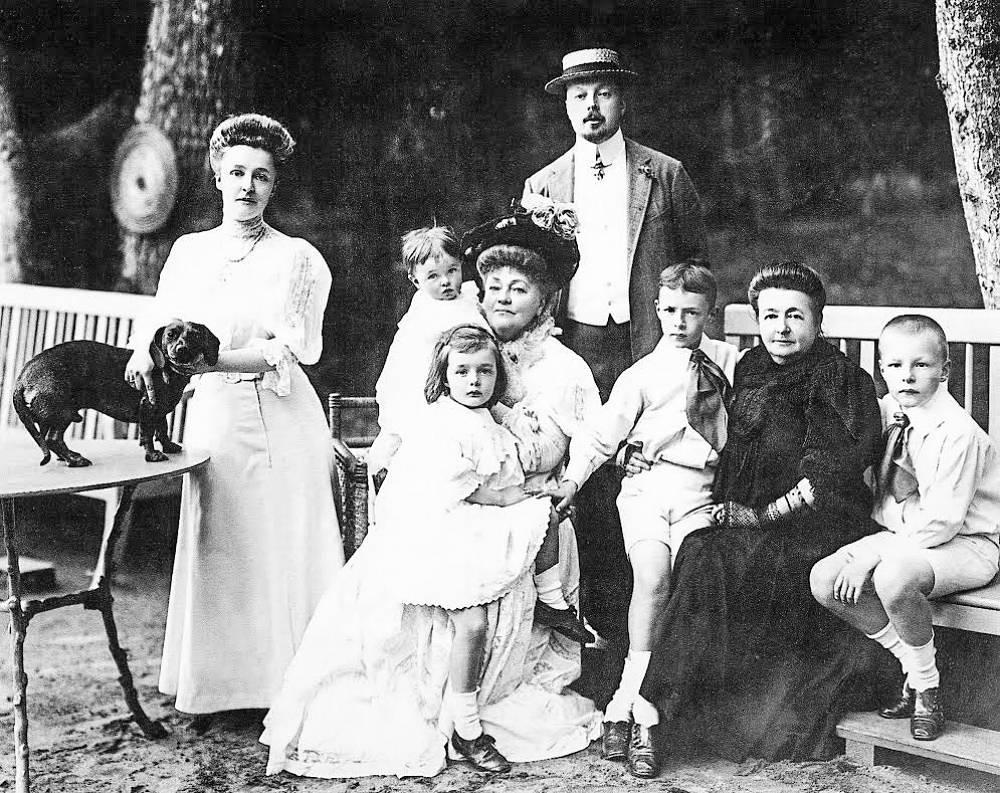 Nabokov's family in Vyra estate. Vladimir Nabokov is third from right