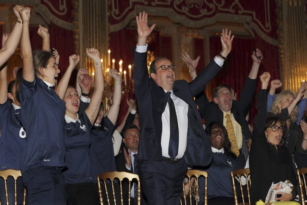 French President Francois Hollande cheered for his team in the match against Nigeria at the Elysee Palace in Paris