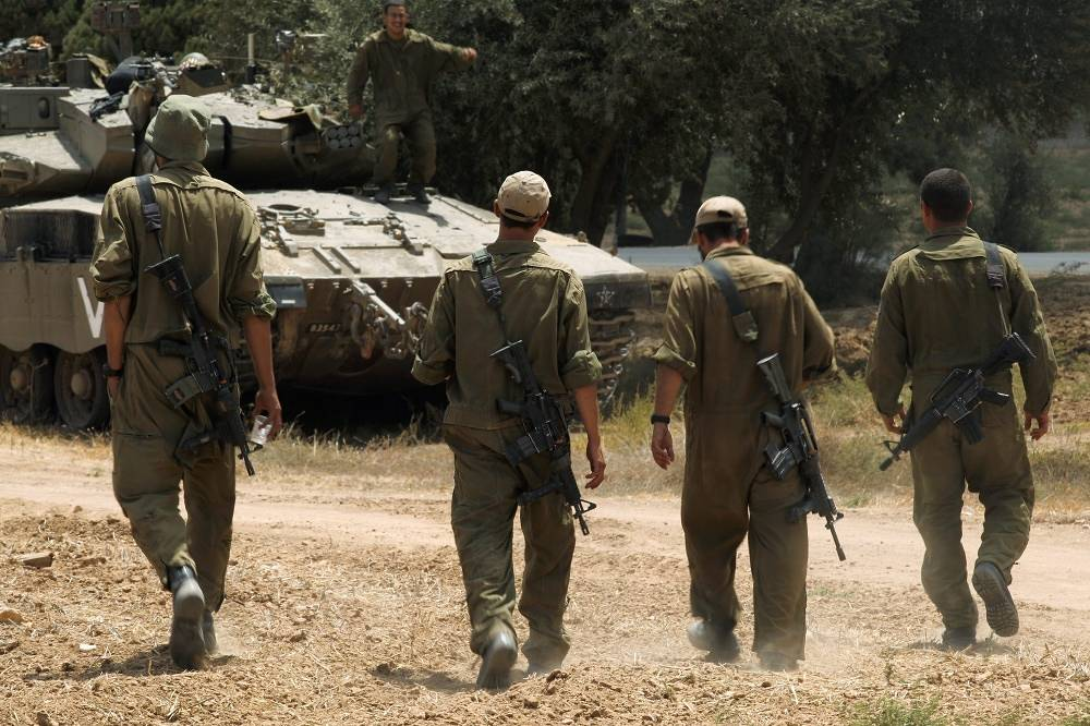 Israel recommnds civilians to leave their homes during the combat operation and leave for safer locations in Palestina