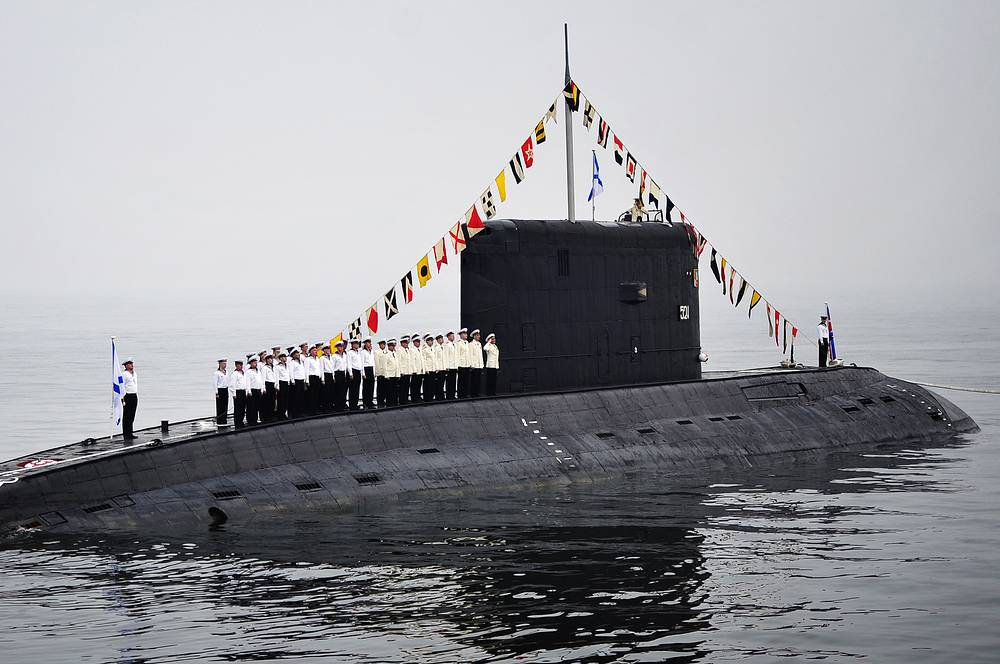 Diesel-powered Varshavyanka submarine during Navy Day parade rehearsal in Vladivostok
