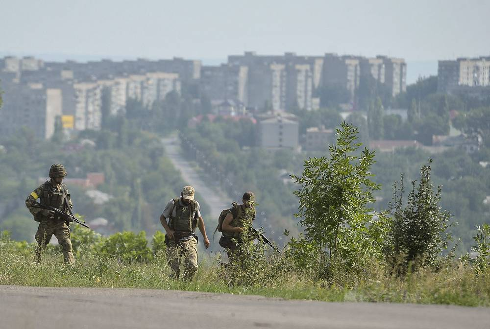 The city of Pervomaisk in Luhansk Region under attack of the Ukrainian government forces