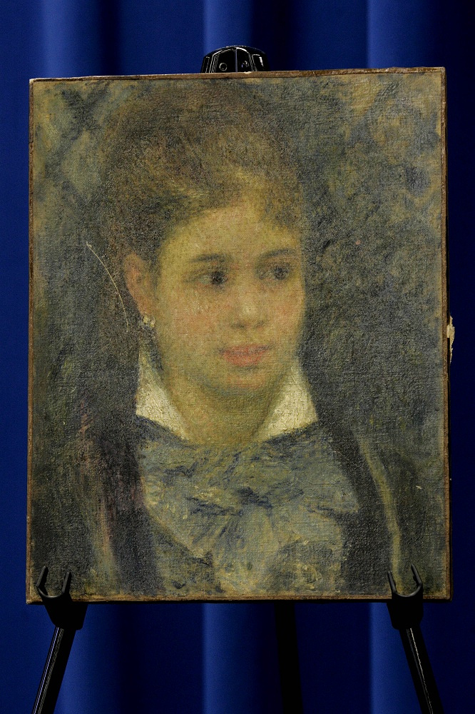 Along with the self-portrait, the criminals stole two paintings by French impressionist Pierre-Auguste Renoir: 'Young Parisian' (photo) and 'Conversation with the Gardner', togethter valued at $36 mln. The latter was found in a drug useres' apartment in Stockholm