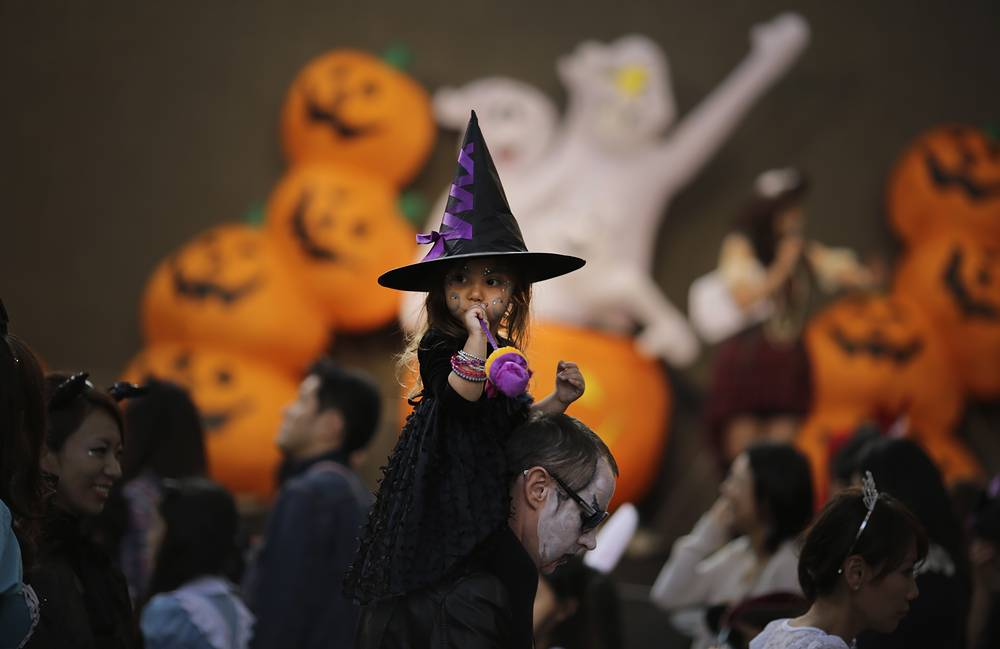 Photo: Halloween costume festival in Tokyo, Japan, October 25, 2014