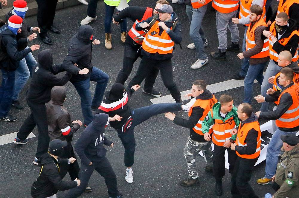 23 policemen and 24 protesters were injured in the clashes that broke out on 11 November, in the capital of Poland, during Independence Day march organized by the nationalists