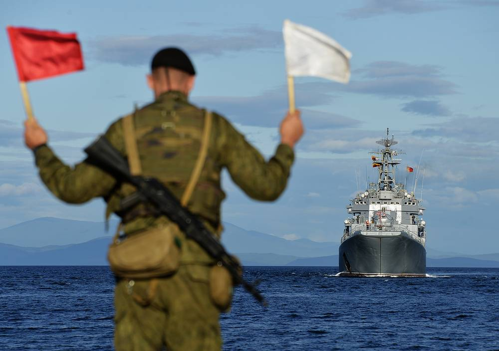 Photo: The Admiral Nevelsky major amphibious ship during an alert military exercise by Russia's Eastern Military District units