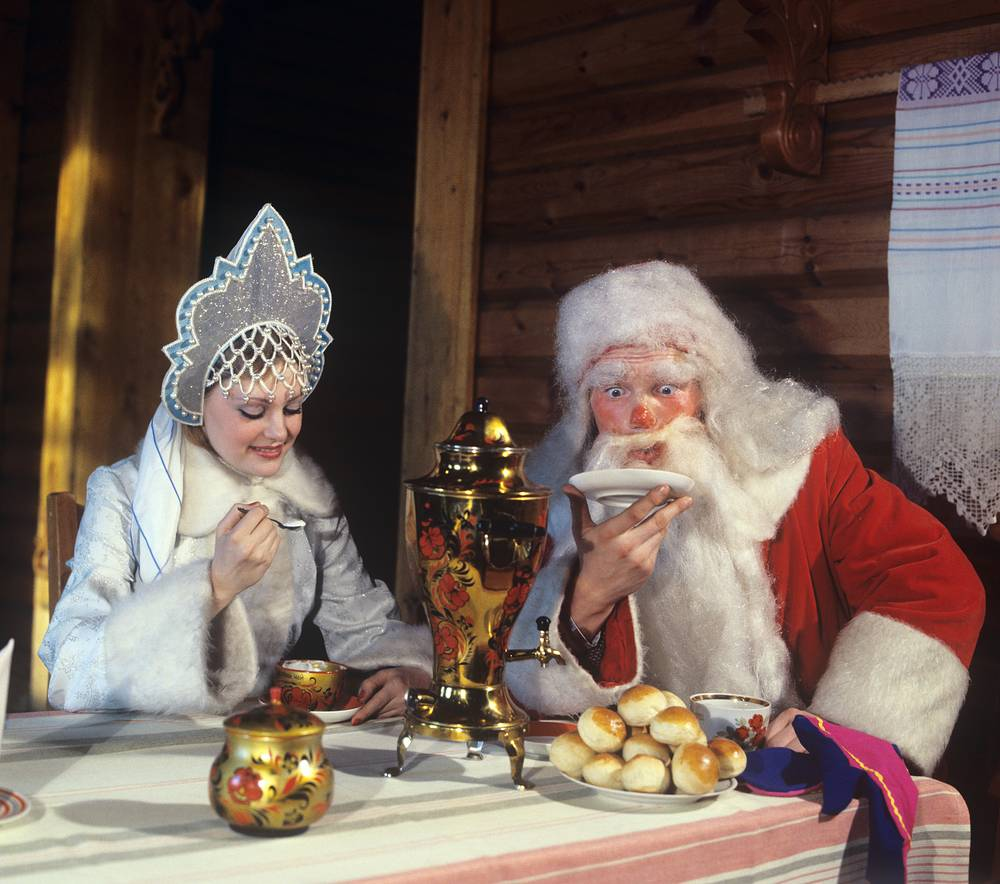 Father Frost and Snegurochka in Altai Region, 1980