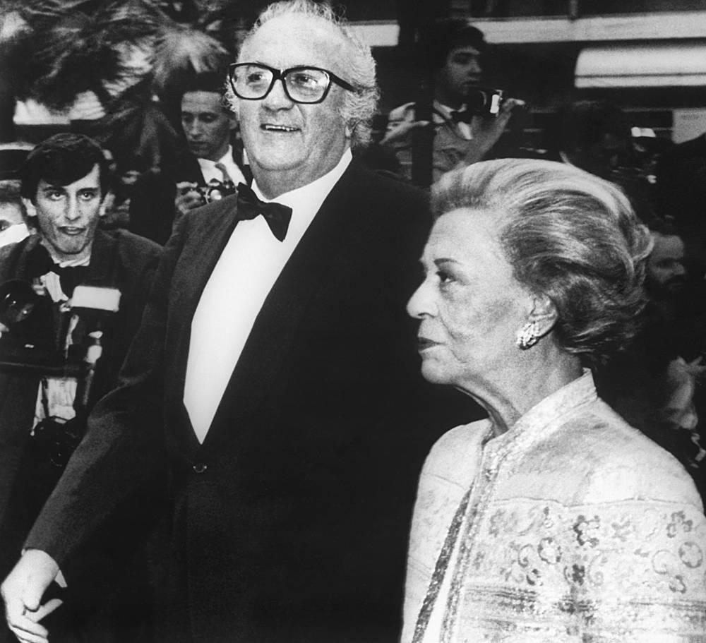 Federico Fellini and his wife Giulietta Masina at Cannes film festival, 1987