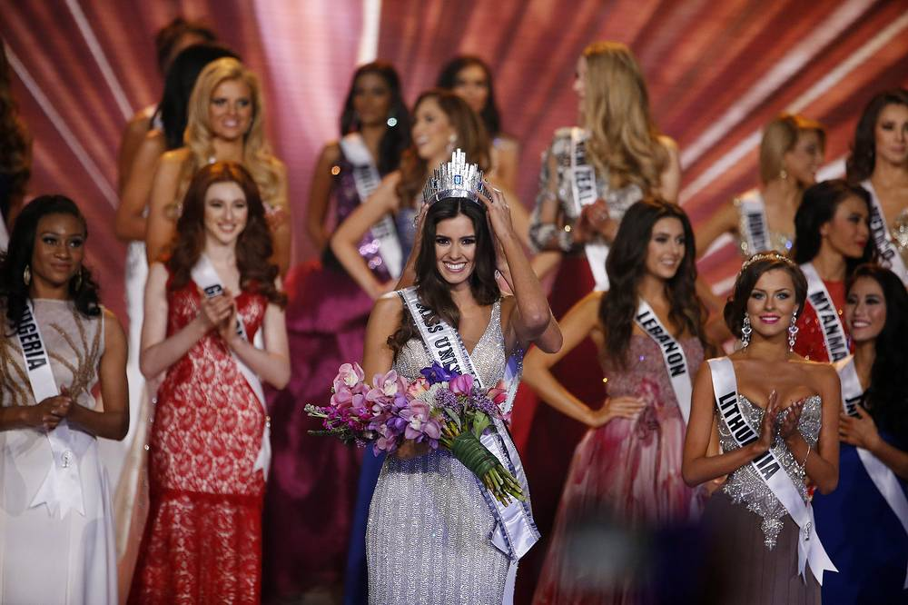Miss Colombia Paulina Vega is crowned Miss Universe 2014 at Miss Universe Final in Miami, USA, 25 January 2015