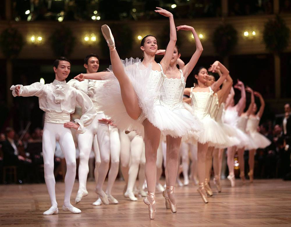 Opera Ball is not only an entertainment but also a charity event. Photo: Dancers of the State Opera Ballet