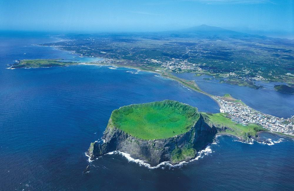 South Korean largest island of Jeju is inscribed on UNESCO World Heritage List. A central feature of Jeju is Hallasan, the tallest mountain in South Korea and a dormant volcano