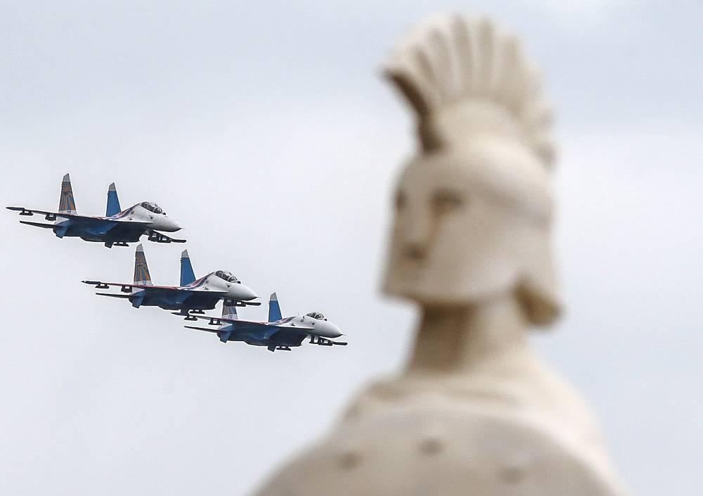 Russkiye Vityazi (Russian Knights) aerobatic team