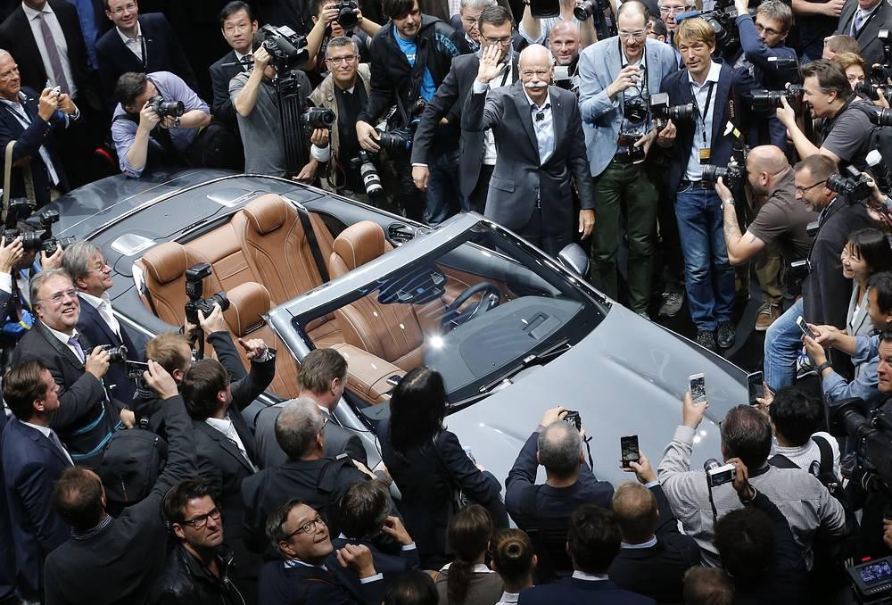 Daimler CEO Dieter Zetsche presenting the new S-Class Convertible