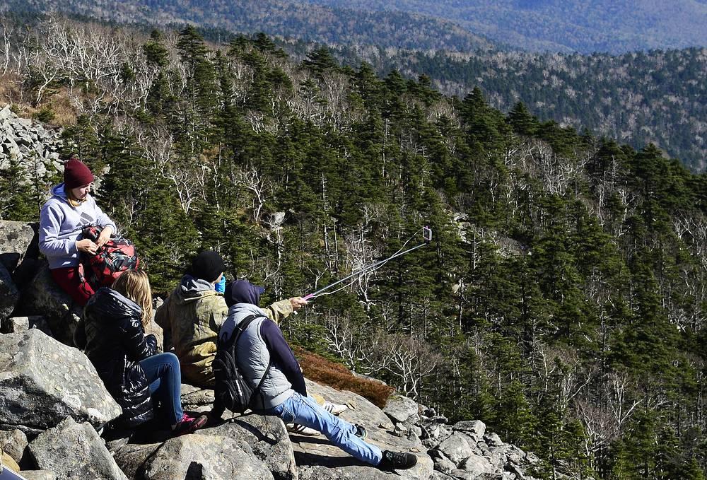 Tourists on the Livadia mountain