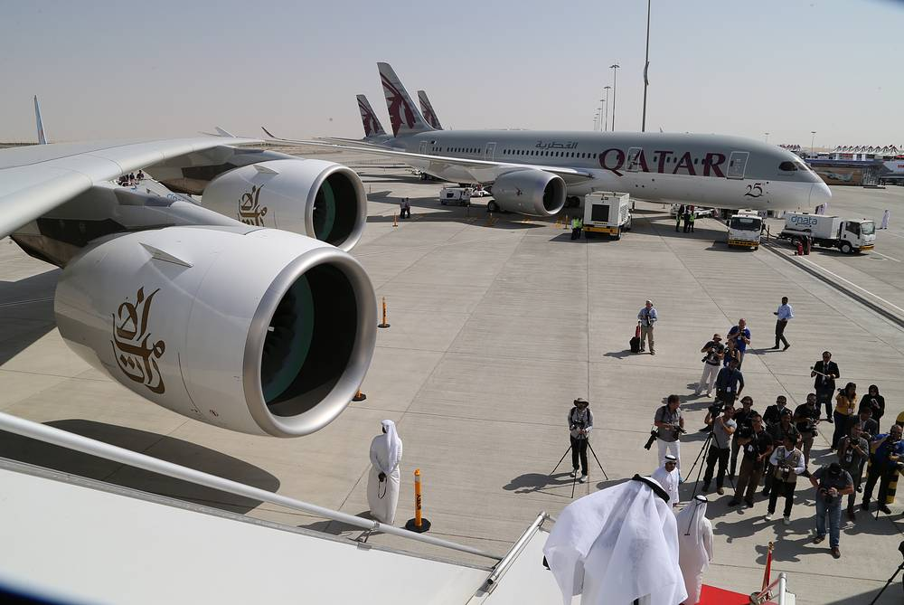 Boeing 787 Dreamliner long range jet airliner