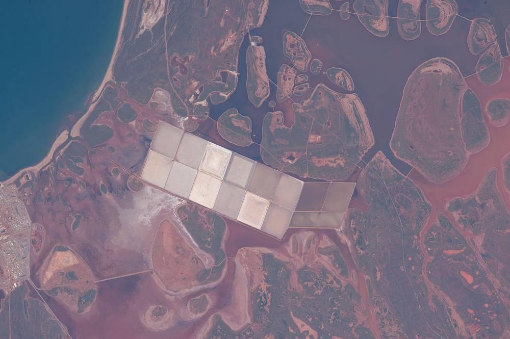 Salt Ponds, coastal flats, Western Australia