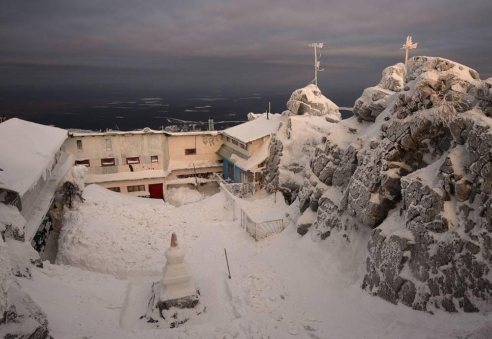 Buddhist monastery is located on Mount Kachkanar in Sverdlovsk region
