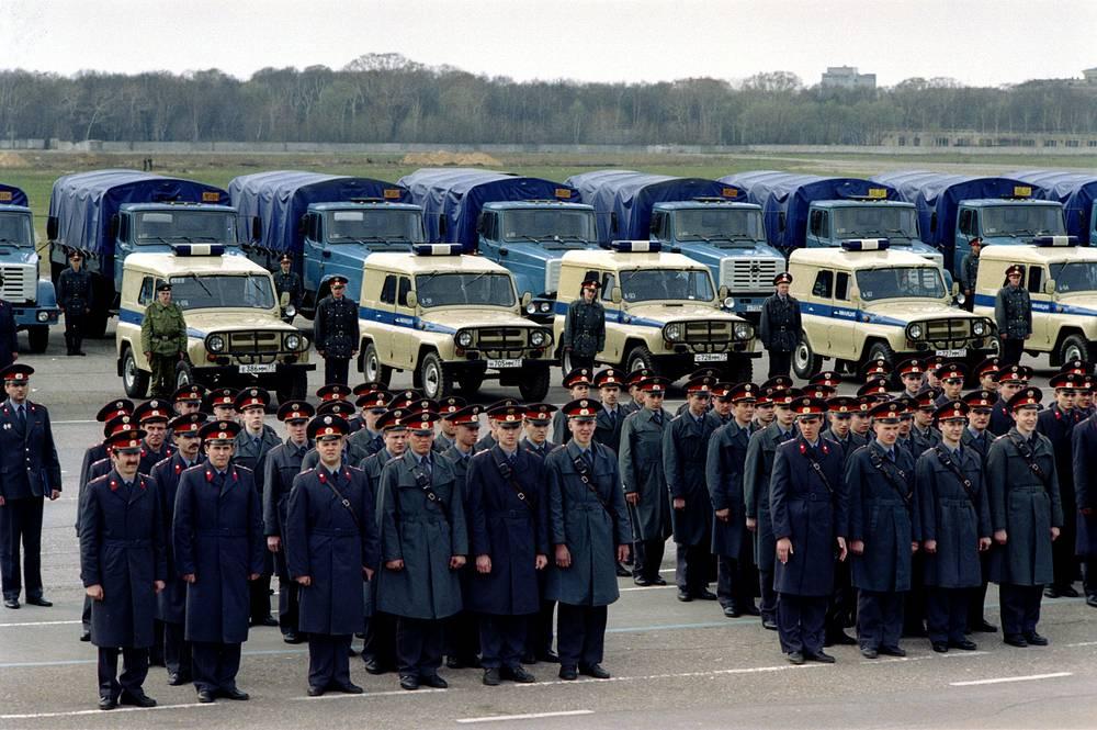 Police officers at Khodynka Field, 1996