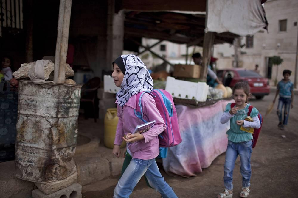 Children on their way to school in Aleppo, Syria