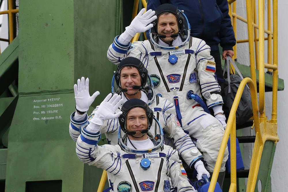 Robert Shane Kimbrough, Sergey Ryzhikov and Andrey Borisenko