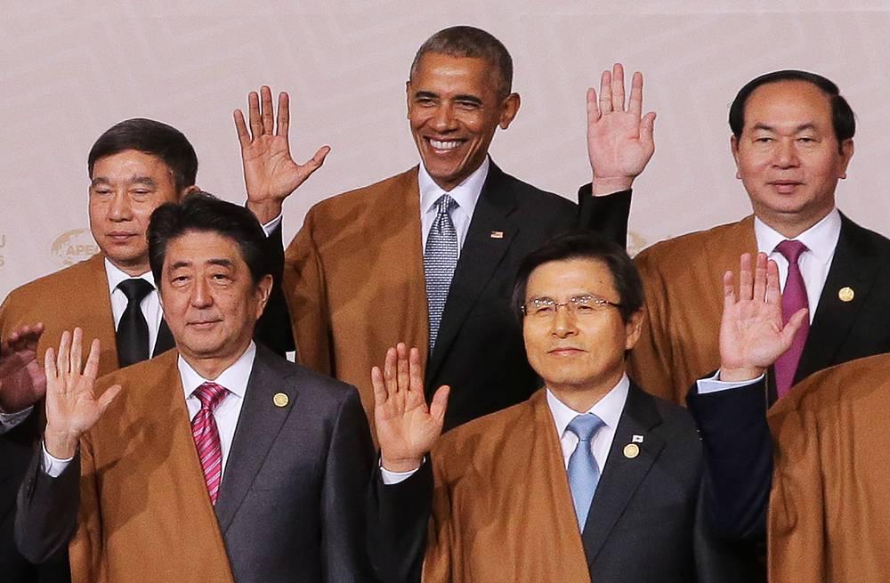 Japan's Prime Minister Shinzo Abe, South Korea's Prime Minister Hwang Kyo-ahn, Thailand's Deputy Prime Minister Prajin Juntong, US President Barack Obama and Vietnam's President Tran Dai Quang