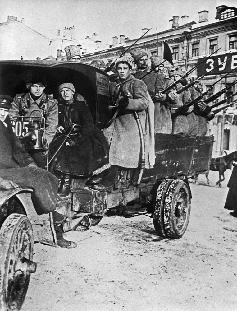 A detachment of revolutionaries, 1917
