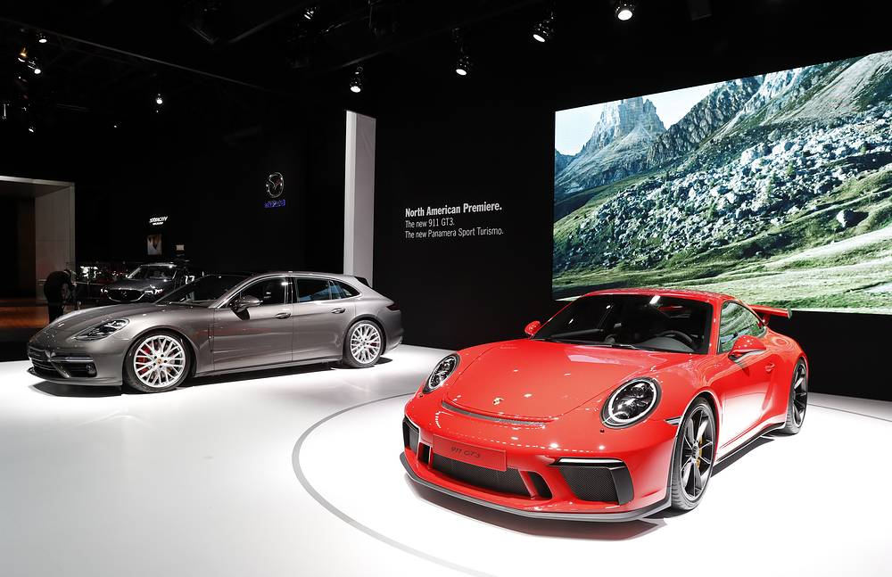 New 2017 Porsche 911 GTE and the Panamera Sport Turismo