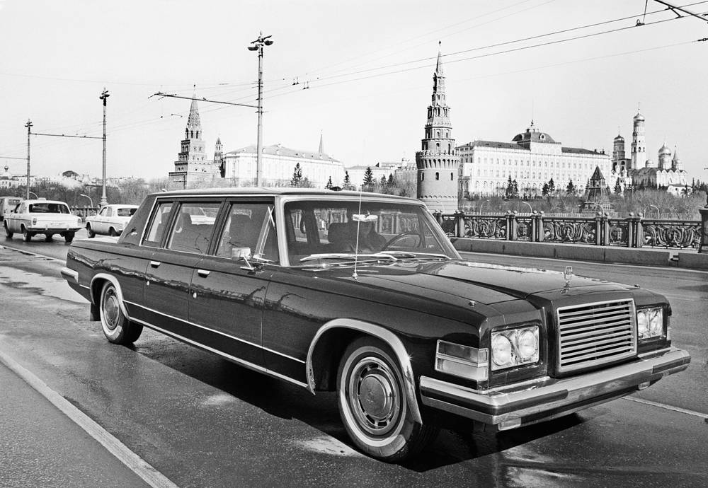 ZIL has also produced armored cars for most Soviet leaders, as well as buses and armoured fighting vehicles. Photo: Soviet limousine ZIL-115, 1982