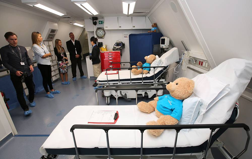 Inside a Boeing MD-10 Flying Eye hospital