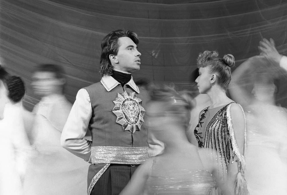 Operatic baritone Dmitri Hvorostovsky as Prince Yeletsky in a scene from Pyotr Tchaikovsky's opera The Queen of Spades, 1988
