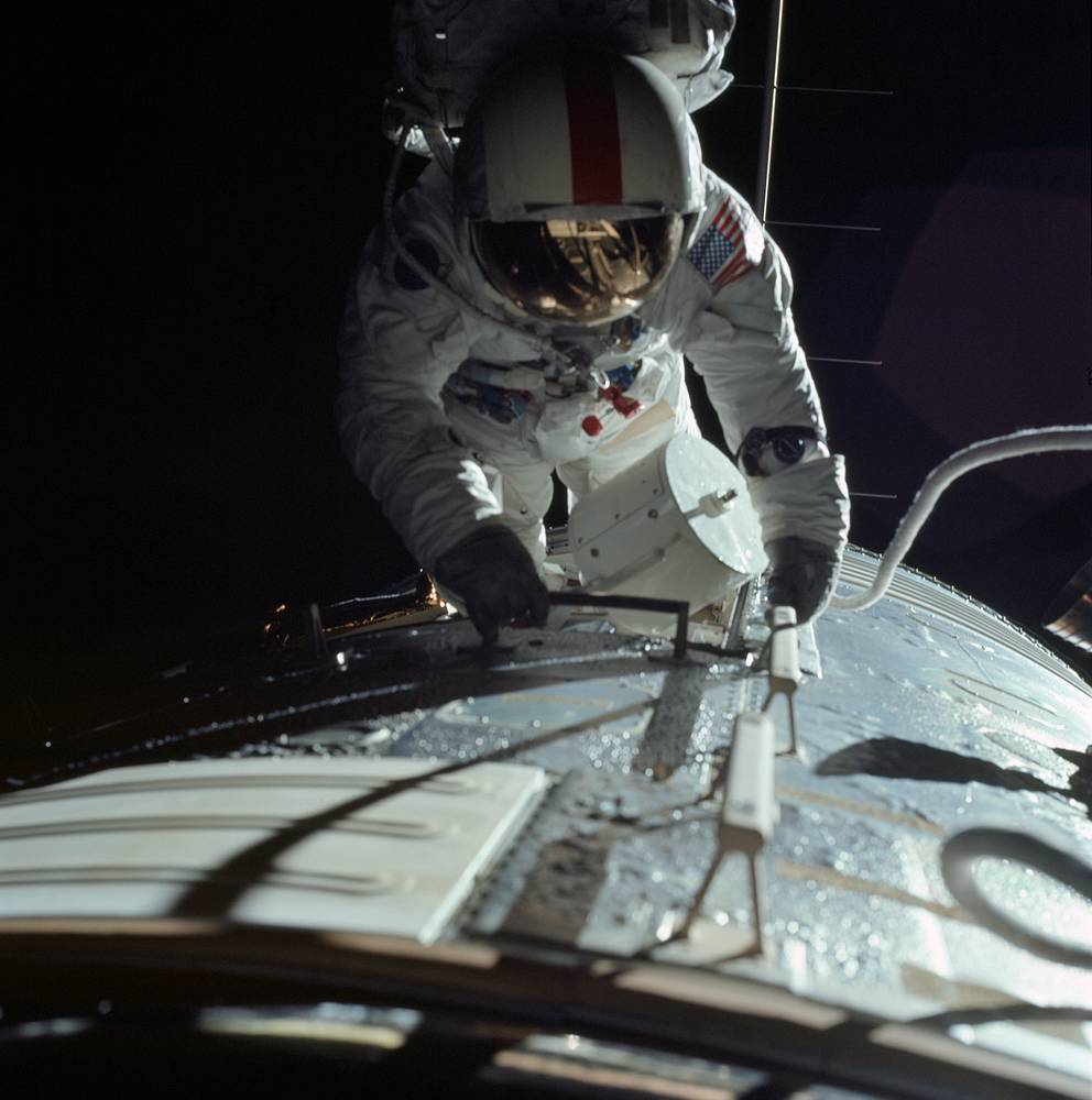 The mission broke several records: the longest moon landing, longest moonwalks, largest lunar sample and longest time in lunar orbit