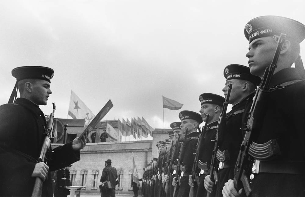 Sailors of the Black Sea Fleet take an oath at a solemn ceremony, 1973